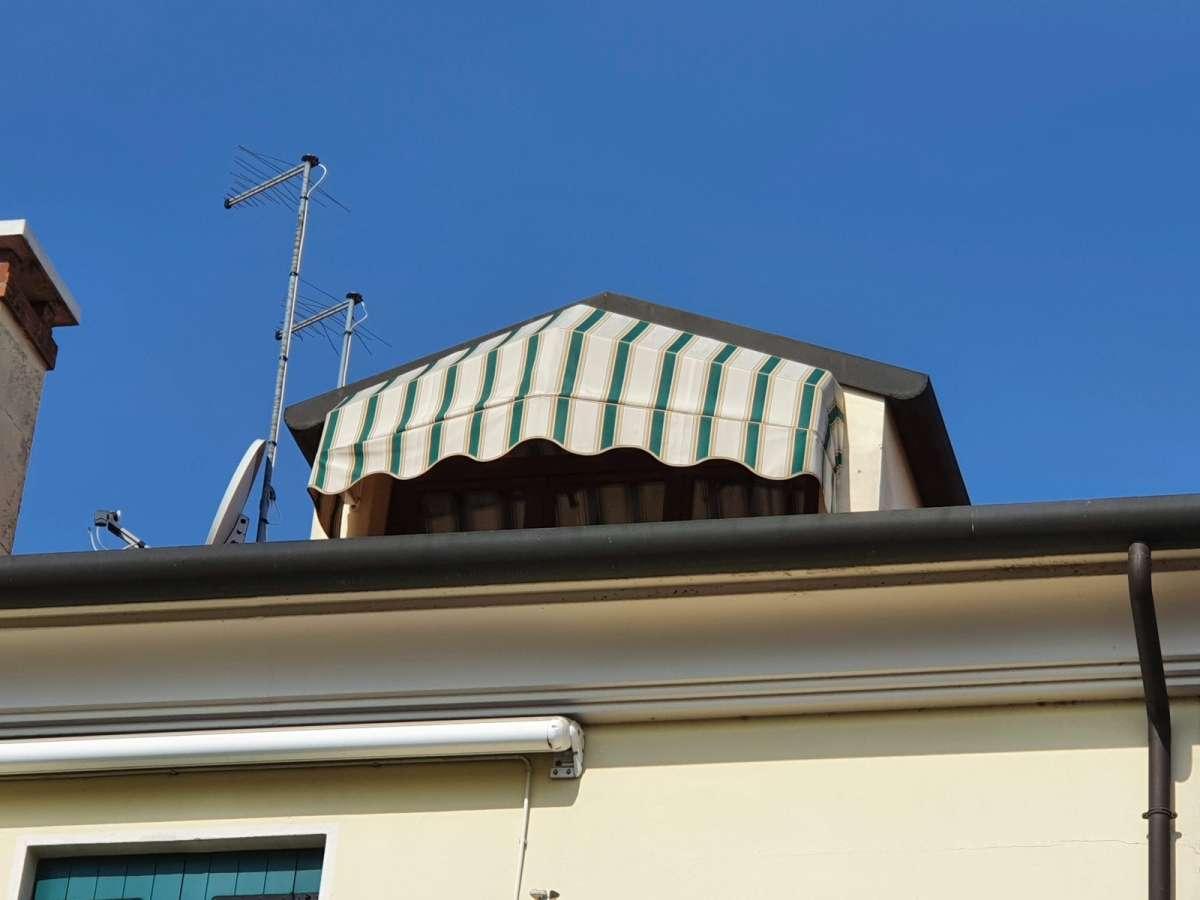 EUROTENDA. le nostre tende da sole sono realizzate con tessuti Tempotest Parà